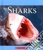 Sharks libro in lingua di Marsico Katie