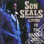 Living in the danger zone cd musicale di Son Seals