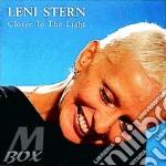 Closer to the light cd musicale di Leni Stern