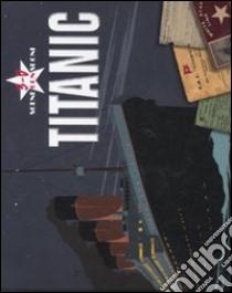 Titanic 3D. Libro pop-up libro di Hawkins Emily - Walton Garry